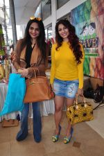 Madhoo Shah, Tanisha Mukherjee at Araish on 4th Feb 2016