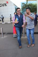 Saif Ali Khan snapped at airport on 4th Feb 2016 (37)_56b452821b090.JPG