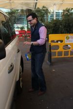 Saif Ali Khan snapped at airport on 4th Feb 2016