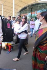 Aishwarya Bachchan, aradhya bacchan snapped at Airport on 6th Feb 2016