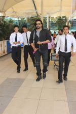 Madhavan snapped at Airport on 6th Feb 2016
