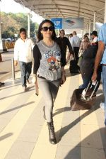 Preity Zinta snapped at airport on 5th Feb 2016 (50)_56b717ed4d160.JPG