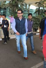 Saif Ali Khan snapped at Airport on 6th Feb 2016