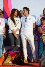 Shilpa Shetty and Ness Wadia at Wadia hospital little hearts marathon on 7th Feb 2016 (33)_56b73374ef343.JPG