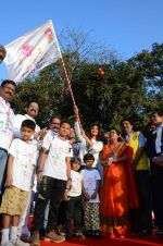 Shilpa Shetty and Ness Wadia at Wadia hospital little hearts marathon on 7th Feb 2016 (45)_56b7337aaf35f.JPG