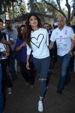 Shilpa Shetty at Wadia hospital little hearts marathon on 7th Feb 2016 (27)_56b734056edf8.JPG