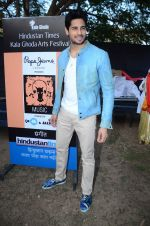 Sidharth Malhotra inaugurates Kala Ghoda festival on 6th Feb 2016 (13)_56b7344494987.JPG