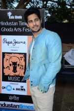 Sidharth Malhotra inaugurates Kala Ghoda festival on 6th Feb 2016 (16)_56b734474a804.JPG