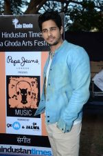 Sidharth Malhotra inaugurates Kala Ghoda festival on 6th Feb 2016 (20)_56b7344b72e32.JPG