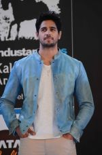 Sidharth Malhotra inaugurates Kala Ghoda festival on 6th Feb 2016 (28)_56b73452dd6e7.JPG