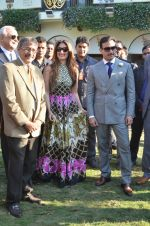 Kareena Kapoor, Saif Ali Khan at Kingfisher Ultra Derby 2016 on 7th Feb 2016 (95)_56b854f84c3ae.JPG