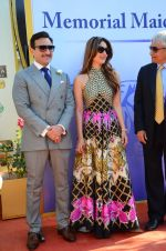 Kareena Kapoor, Saif Ali Khan at Kingfisher Ultra Derby 2016 on 7th Feb 2016 (96)_56b854497d6af.JPG