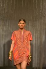 Model walk for Tarun in Mumbai on 7th Feb 2016 (27)_56b848a05bcb4.jpg