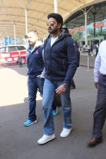 Abhishek Bachchan snapped at airport on 8th Feb 2016
