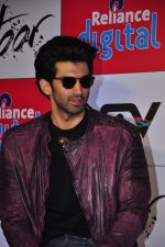 Aditya Roy Kapoor at Fitoor press meet in Reliance Digital on 10th Feb 2016 (2)_56bb460c4f43a.JPG