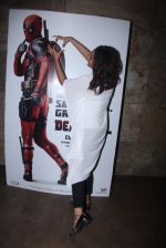 Sonakshi Sinha at Deadpool screening on 9th Feb 2016 (20)_56baf9b346b91.JPG