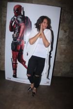 Sonakshi Sinha at Deadpool screening on 9th Feb 2016 (21)_56baf9b459903.JPG