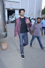 Aditya Roy Kapoor snapped at Mehboob on 10th Feb 2016 (111)_56bc4fb2bce90.JPG