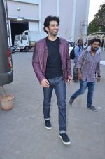 Aditya Roy Kapoor snapped at Mehboob on 10th Feb 2016 (112)_56bc4fb3a7106.JPG