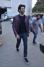 Aditya Roy Kapoor snapped at Mehboob on 10th Feb 2016 (113)_56bc4fb4b6d49.JPG