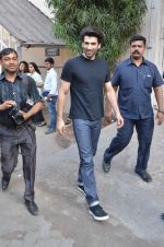 Aditya Roy Kapoor snapped at Mehboob on 10th Feb 2016 (78)_56bc4fa3333a5.JPG