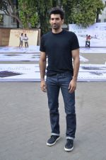 Aditya Roy Kapoor snapped at Mehboob on 10th Feb 2016 (81)_56bc4fa65e97d.JPG
