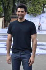 Aditya Roy Kapoor snapped at Mehboob on 10th Feb 2016 (87)_56bc4facb0f52.JPG