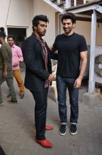 Arjun Kapoor, Aditya Roy Kapoor snapped at Mehboob on 10th Feb 2016 (68)_56bc4fb711790.JPG