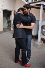 Arjun Kapoor, Aditya Roy Kapoor snapped at Mehboob on 10th Feb 2016 (70)_56bc4fb826a82.JPG
