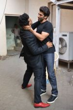 Arjun Kapoor, Aditya Roy Kapoor snapped at Mehboob on 10th Feb 2016 (82)_56bc4fbe441df.JPG