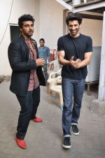Arjun Kapoor, Aditya Roy Kapoor snapped at Mehboob on 10th Feb 2016 (84)_56bc4fbf643b2.JPG