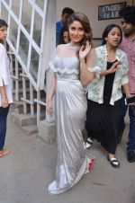 Kareena Kapoor snapped at Mehboob on 10th Feb 2016 (122)_56bc5a77d739d.JPG