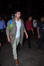 Varun Dhawan at international airport on 10th Feb 2016