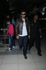 Arjun Kapoor snapped at Airport on 11th Feb 2016