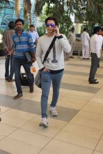 Jimmy Shergill snapped at airport on 12th Feb 2016