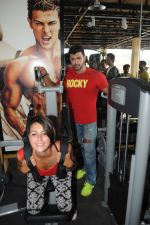 Sahil Khan launches his MUSCLE BEACH Gym in Baga Beach Goa on 12th Feb 2016 (6)_56bf436a973f8.jpg