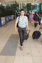 Soha Ali Khan snapped at airport on 12th Feb 2016
