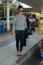 Sunidhi Chauhan snapped at airport on 12th Feb 2016