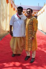 Abhishek Battacharya at Anurag Basu_s Saraswati Pooja on 13th Feb 2016 (9)_56c05f202785a.JPG