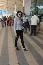 Prachi Desai snapped at airport on 13th Feb 2016 (47)_56c05e27abe40.JPG