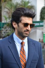 Aditya Roy Kapoor at Mid-Day race in Mumbai on 14th Feb 2016 (62)_56c184a9a69b1.JPG