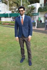 Aditya Roy Kapoor at Mid-Day race in Mumbai on 14th Feb 2016 (65)_56c1848822409.JPG