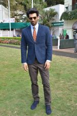 Aditya Roy Kapoor at Mid-Day race in Mumbai on 14th Feb 2016 (67)_56c1848a63e87.JPG