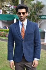 Aditya Roy Kapoor at Mid-Day race in Mumbai on 14th Feb 2016 (71)_56c1848ea54f5.JPG