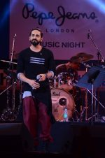Ayushmann Khurrana at Pepe Jeans music fest in Kalaghoda on 14th Feb 2016 (196)_56c182b0c31f2.JPG