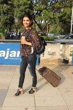 Prachi Desai snapped at airport on 14th Feb 2016 (24)_56c18188c5406.JPG