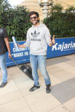 Kartik Aaryan snapped at airport on 15th Feb 2015