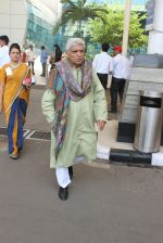 Javed Akhtar snapped at the airport on 16th Feb 2016