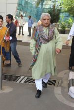 Javed Akhtar snapped at the airport on 16th Feb 2016 (40)_56c4199e98208.JPG