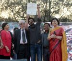 Shahrukh Khan at Delhi College to get the graduation Certificate on 16th Feb 2016